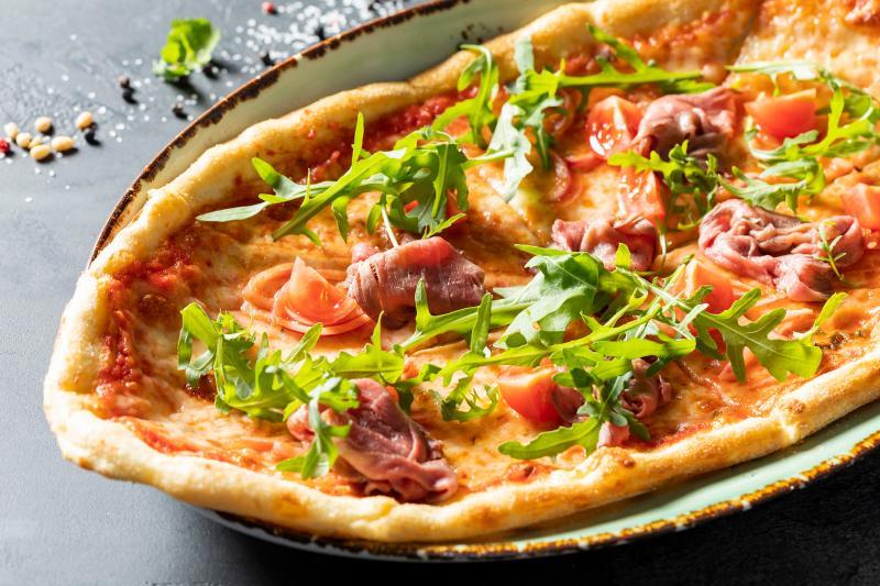 Пицца с ростбифом и трюфельным маслом